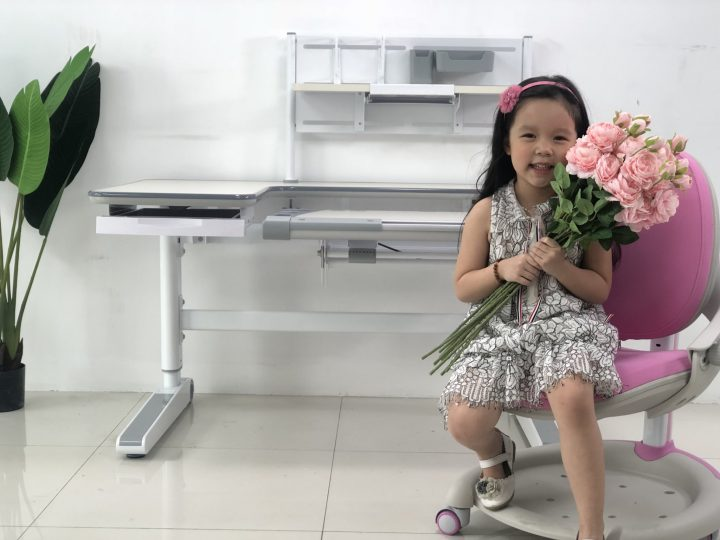 Bộ bàn ghế chống gù chống cận cho bé gái