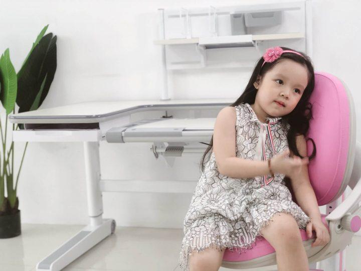 ghế chống gù cho bé gái