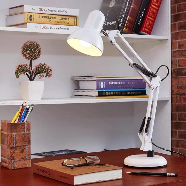 đèn học LED chống cận L02